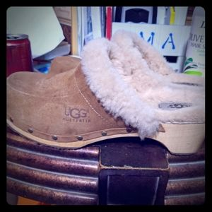 UGG clogs shoes